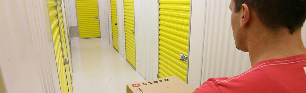 Using Self Storage Before a National Relocation